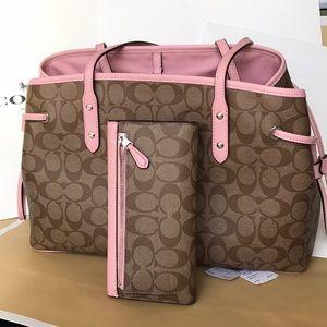 Coach Bags - 🌸🌸coach carryalldrawstring Tote Set🌸khaki/blush